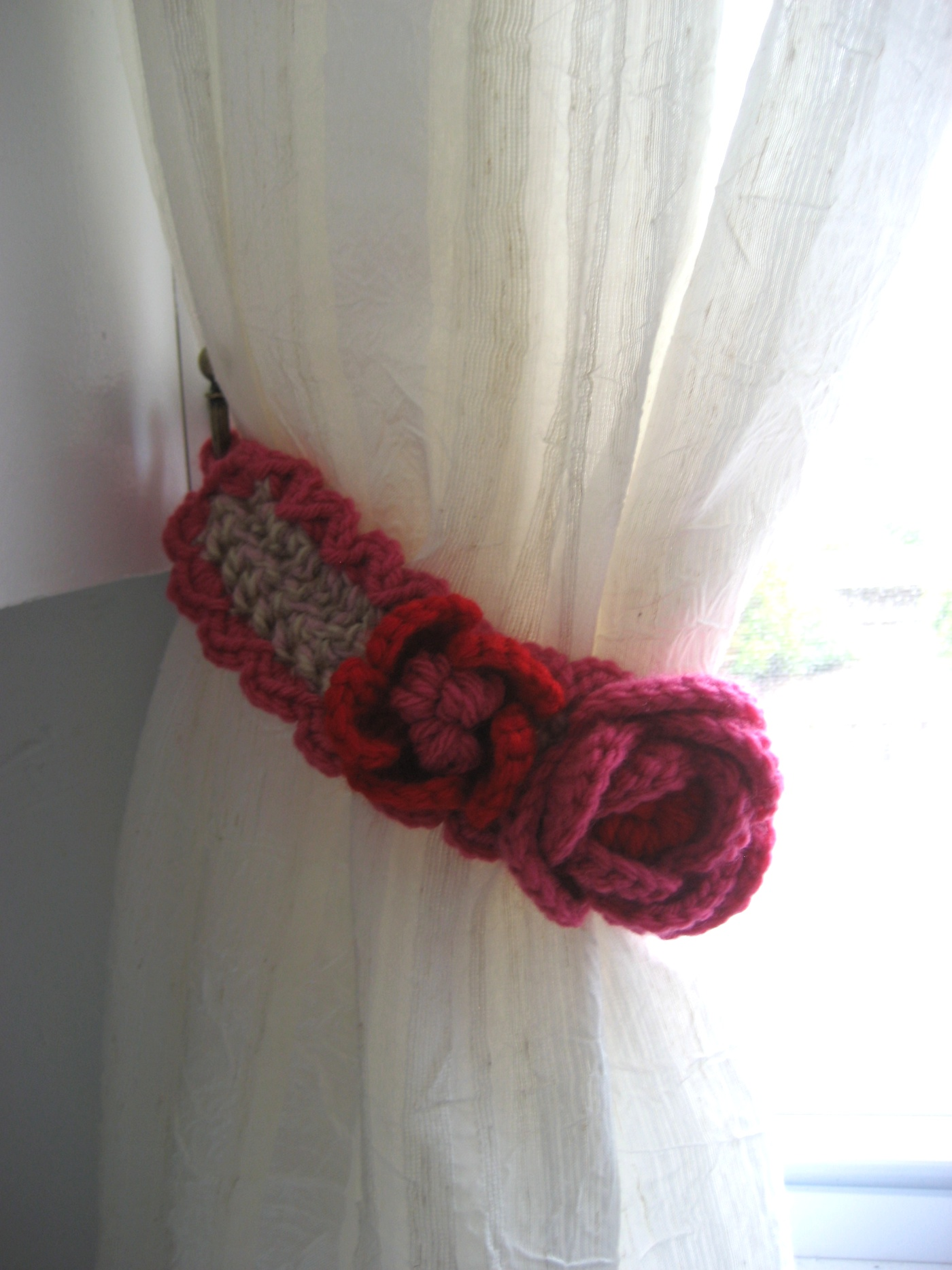 Crochet Flower Curtain Free Pattern : Kitschy Curtain Tie-Backs ? Ms Premise-Conclusion