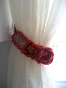 Left Curtain Tie-Back