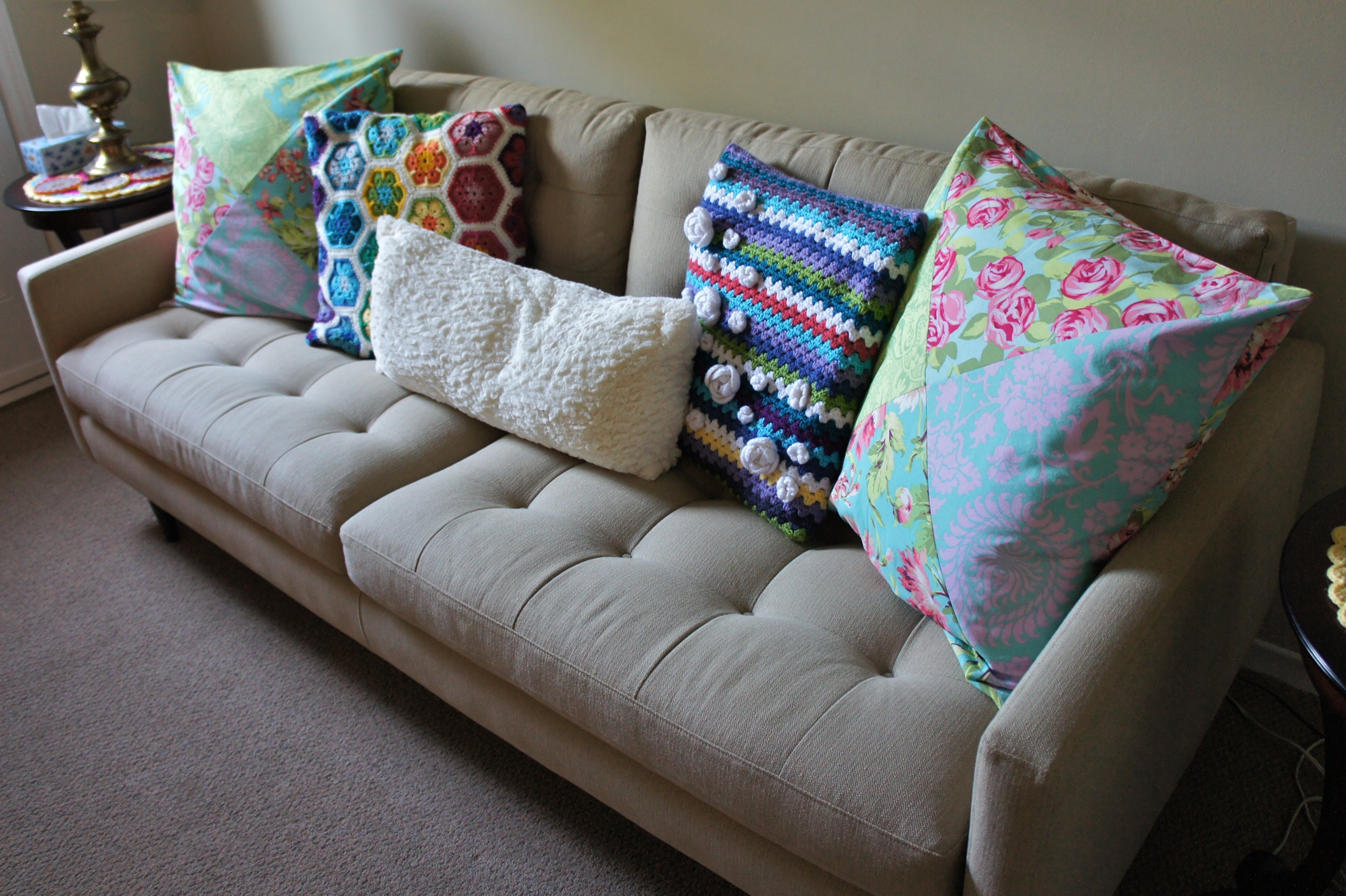How Many Throw Pillows On A Sectional Couch : I must have ALL the couch pillows ? Ms Premise-Conclusion