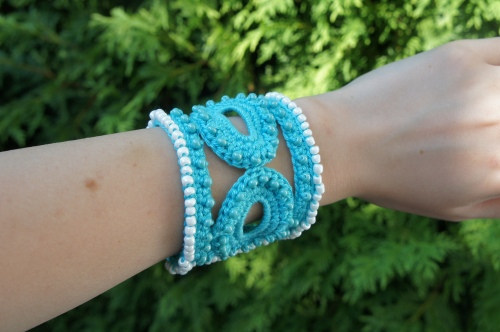 Blue Beaded Crochet Bracelet
